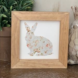 Last 1❗️Farmhouse Floral Easter Bunny Wood Sign